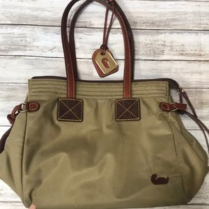 🍃🍂 Dooney & Bourke Army Olive Green Shoulder Bag